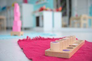 Inspirado en Waldorf y Montessori